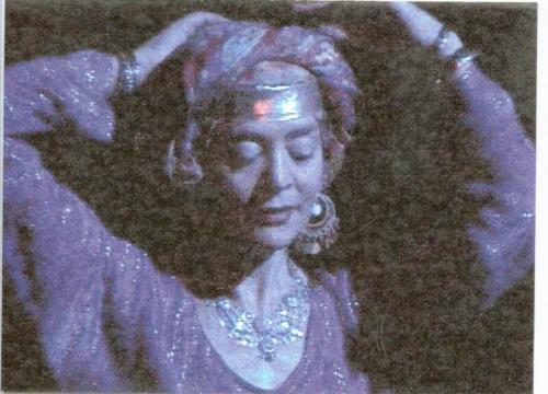 LW dances Baladi