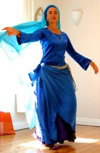 Liza Wedgwood dances Baladi form of Raqs Sharqi